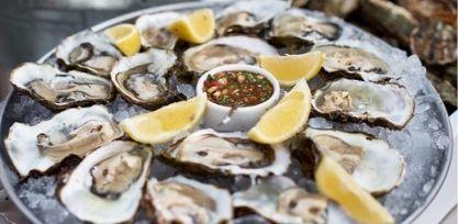 Taste Fresh Oysters in Ston