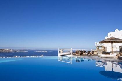 Vencia Hotel Pool