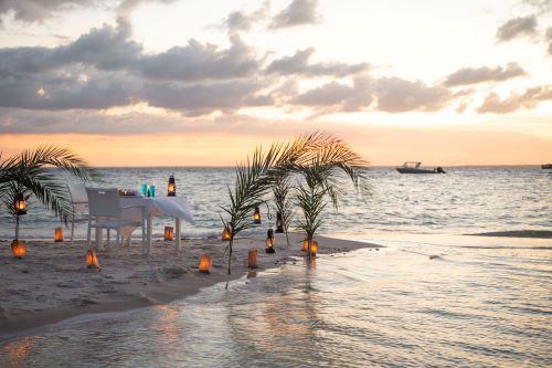 Azura Marlin Beach - dinner at sunset