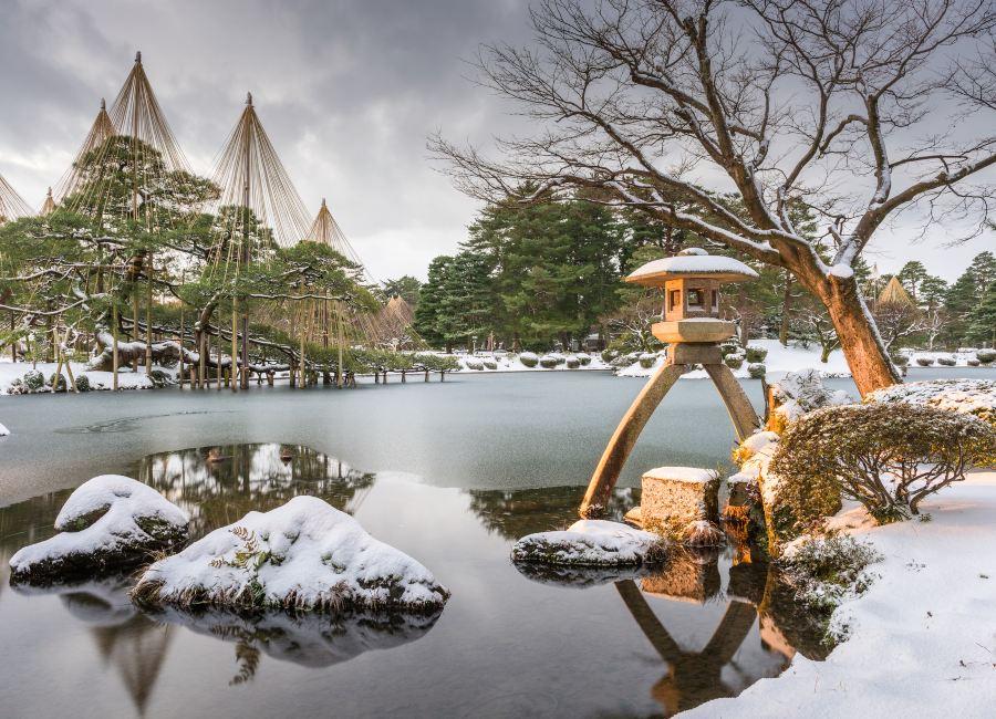 Kenrokuen Gardens in winter, Kanazawa, Japan