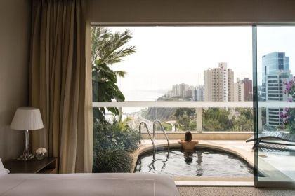 Miraflors, Lima Peru Junior Suite Pool