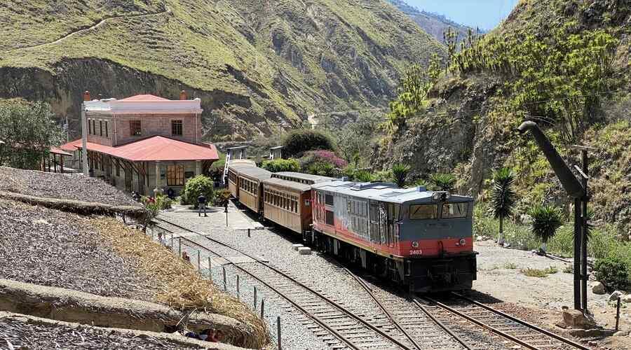 Devils Nose Train Ecuador